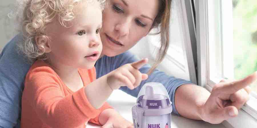 botella de agua Nuk para bebe de 12 meses